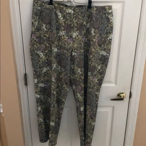 SIGRID OLSEN SPORT Green floral Pants size 22W NWT